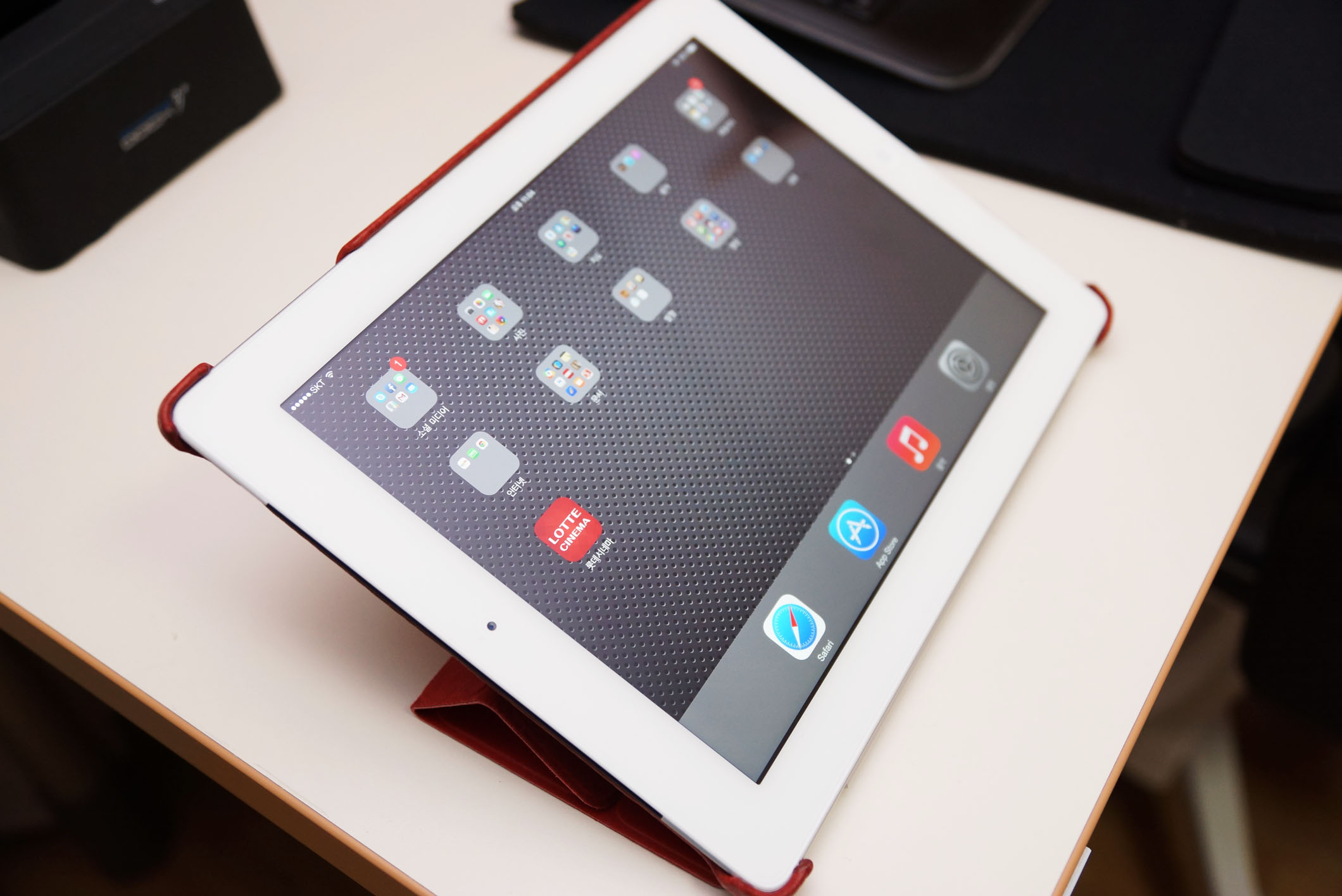 iPad 4 and Red Color